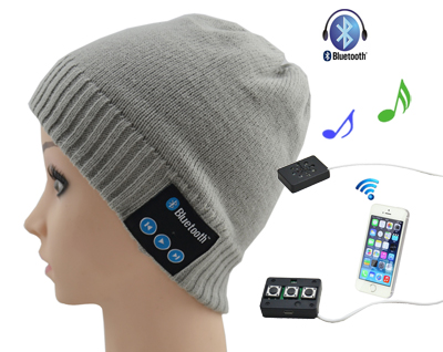 Bluetooth wool hat