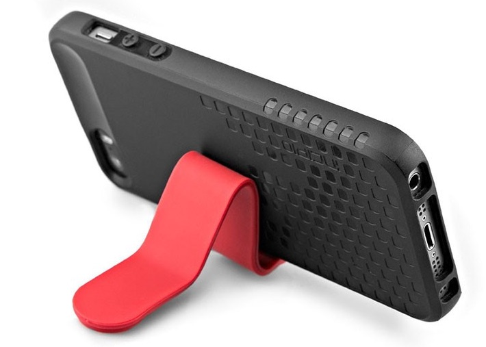 Multi-use magnet clip